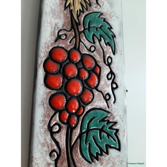 Ruscha 734 Grapes