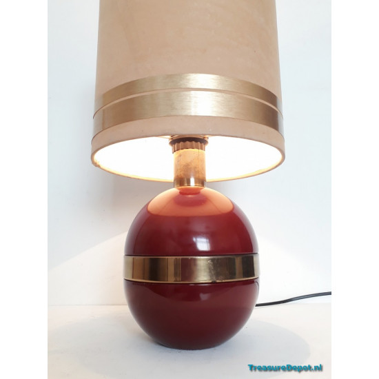 Burgundy table lamp