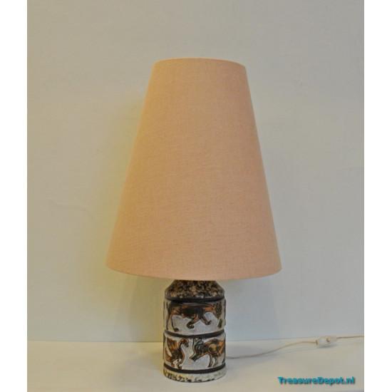 Ceramic wildlife table lamp