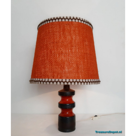 Ceramic table lamp orange