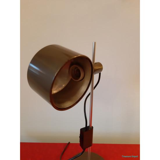 Conelight desk lamp