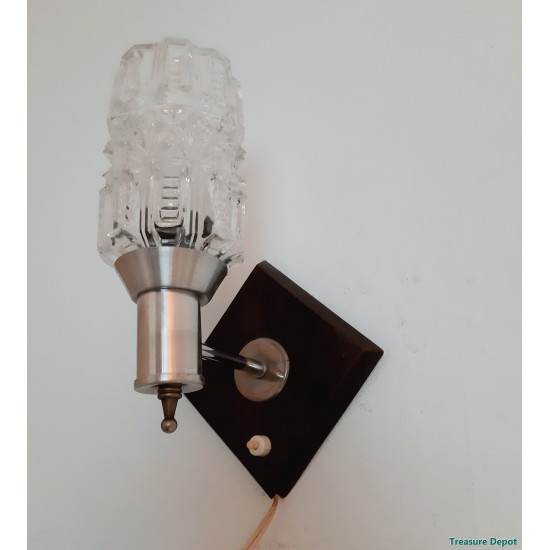 Wall Set of 2 wall lamps. Made of metal, white colored. The height is 20cm, depth 8cm, width 30cm. Both in excellent condition.lamp