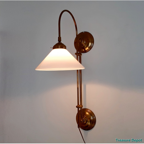 Brass and glass wall lamp
