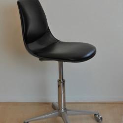 Swivel chair by Georg Leowald