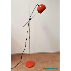 Orange floorlamp